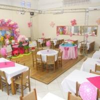 Festa Infantil com decoração da Hello Kitty