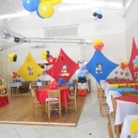 Festa Infantil com decoração do Mickey