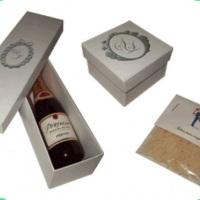 Cx. p/ vinho e saquinho de arroz