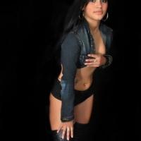 Adriana tequileira e gogo dancer
