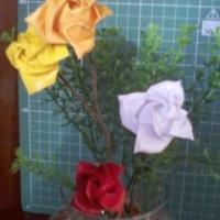 arranjos florais em papel