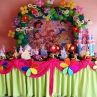 mesa decorada festa infantil das princesas