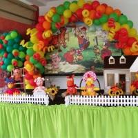mesa decorada festa infantil cocoricó Itu