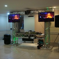 Box Truss com TV de Led (pacote Festa com TV)