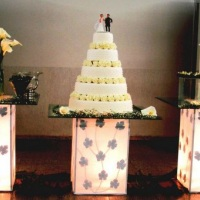Mesa decorativa em vidro para bolo