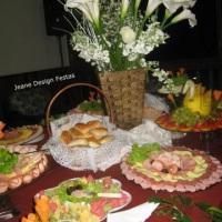 Mesa de Frios, frutas e miniporção de massas
