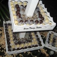 Doces truffados cobertos com chocolates branco e ao leite!