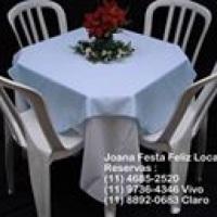 Mesa e cadeiras para sua festa