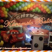 Tema Carros com painel de 4x2,20 display,cantinho do presente, pelúcia, mesa do bolo, acesorios da m
