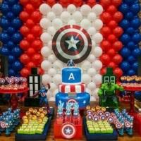 Aqui o aniversariante escolheu o Capitão América para ser o personagem principal.