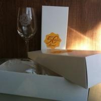 Taça cristal vinho personalizada. Brinde corporativo Camil 50 anos.