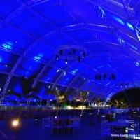 Iluminação e tenda.