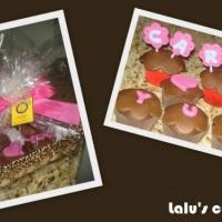Cupcakes com plaquinhas personalizadas