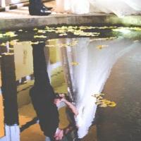 Espelho dágua e noivos