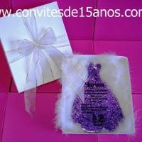www.lembrancinhaseconvites.com.br Uma pequena fabrica de convites de 15 anos, criando com amor e ca