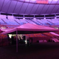 Tenda piramidal 10x10m Capacidade 30 jogos de mesas