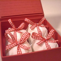 Bem-casados na caixa para presente
