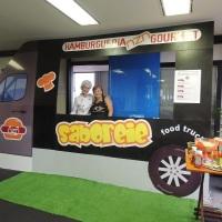 Food Truck: hamburgueria gourmet com fachada cenográfica