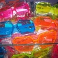 Óculos - Temos em Azul - Rosa - Laranja - Verde Limão
