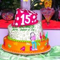 Bolo Torto para 15 Anos !!! By Lu Gomes - Arte, Sabor e Cia.
