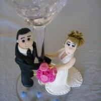 Taça com noivos para padrinhos