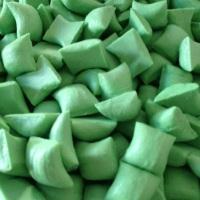 Balas de coco recheadas e coloridas