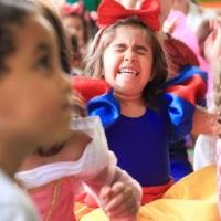 As Crianças fazer de tudo para se assistente do Mágico!
