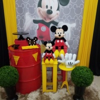 Mickey é um tema tradicional que nunca sai de moda. Solicite um orçamento.