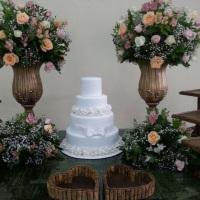 Mesa do bolo rústica
