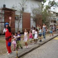 Fazendo várias visitas com a criançada - Fiocruz