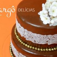 Bolo com Pasta de Chocolate e Rendas de Açúcar!!! Nova tendência em decoração de bolos aqui na Margô