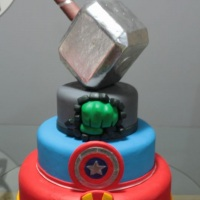 Maquete Vingadores - By Mariart's