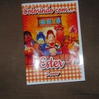 Kit de Livros de Colorir com Giz de Cera Cocoricó Tamanho: 14x10 cm Com 12 imagens em 6 páginas no