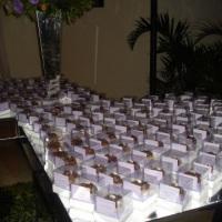 Mini cupcakes para lembrancinha de casamento.
