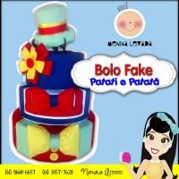 Bolo Fake para festa infantil do Patati e Patatá.. Está um amor Emoticon heart Faça seu orçamento co