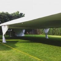 Tenda 10x10m decoração completa, envolve: forração do teto da tenda, forração dos pés da tenda e cor