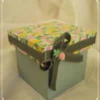 Caixas MDF pintadas à mão com tampa decorada em tecido/a cor que desejar!!