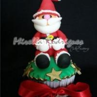 Cupcake Papai Noel sentado