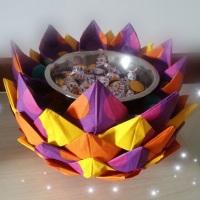 Flor de guardanapos. Ideal para impressionar os convidados na sua festa. R$ 150,00. Contém aproxim