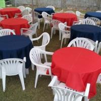 Mesas e cadeiras plasticas