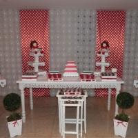 Festa de Bonecas Vermelhas (Painel com Tecido)