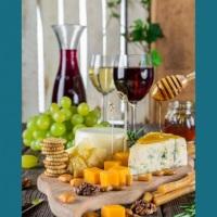 Que tal um queijos e vinhos? Faço seu orçamento!