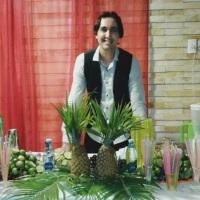 Para um casamento evangélico foi preparado coquetéis sem álcool, com opções de frutas e xaropes.