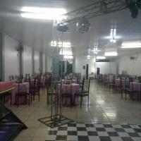 Salão de festas para 180 pessoas