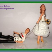 Noiva arrastando o noivo