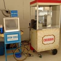 Raspadinha de gelo e churros