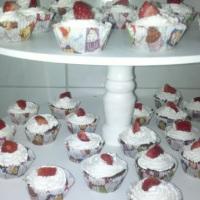 Mini cupcake de Morango com Chantilly