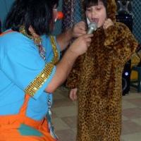 as crianças participam do show