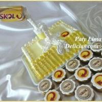 Bolo e cupcakes decorado - Skol