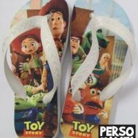 Comemore sua festa com chinelos personalizados!